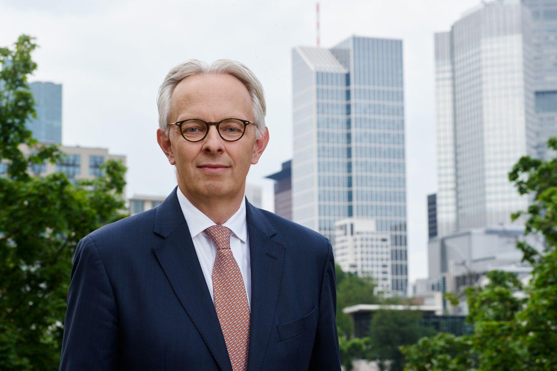 Porträt: Charles Neus, Schroder Investment Management GmbH
